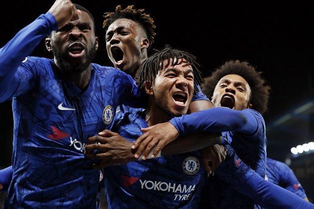 Thắng City, Chelsea vững bước trên hành trình tìm lợi thế ở mặt trận chuyển nhượng
