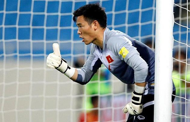 Văn Lâm khó dự AFF Cup, ai sẽ được chọn trấn giữ khung gỗ ĐT Việt Nam?