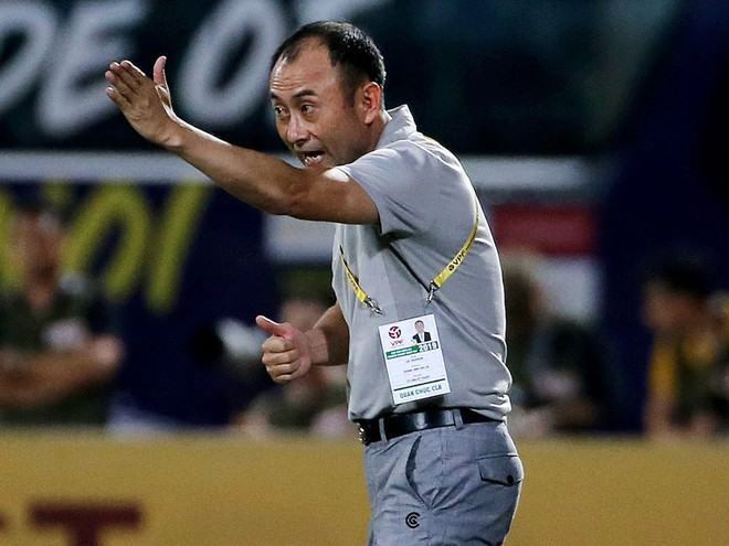 Chia điểm với Sài Gòn FC, HLV HAGL tố đối thủ chơi tiểu xảo