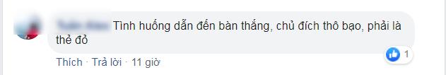 """Văn Thanh bị phạm lỗi thô bạo, NHM """"nóng mặt"""" chỉ trích trọng tài"""
