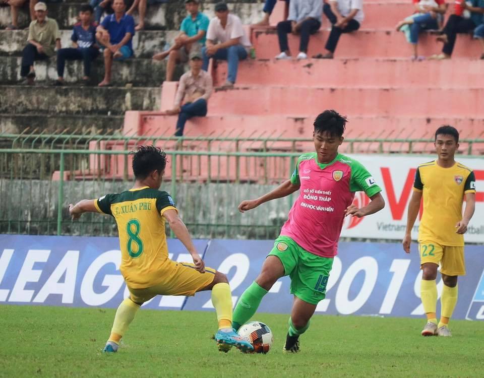 """5 trận ghi 6 bàn, """"sát thủ"""" Nguyễn Công Thành ghi điểm với thầy Park?"""