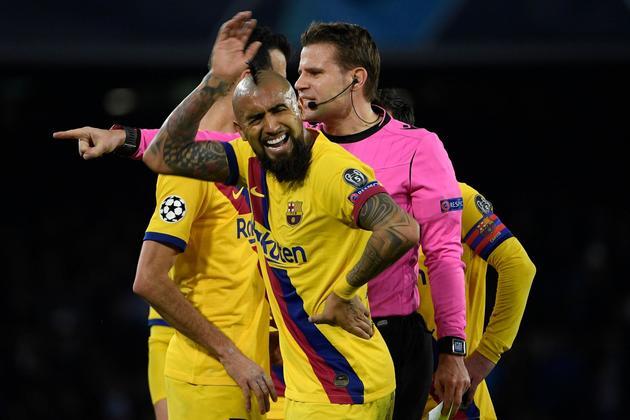 Barca và những lý do nên giữ Arturo Vidal lại hè này