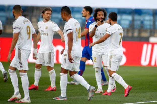 Real thắng áp đảo, Zidane vẫn nổi cơn lôi đình với các học trò