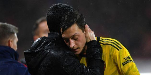 Mikel Arteta ra điều kiện cho Mesut Ozil
