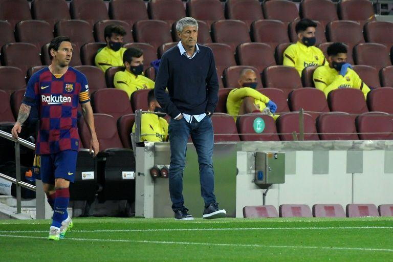 Setien lần đầu lên tiếng về tình hình nội bộ Barca