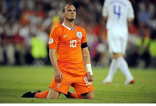 Biến cố bất ngờ khiến Hà Lan thua Nga tại EURO 2008