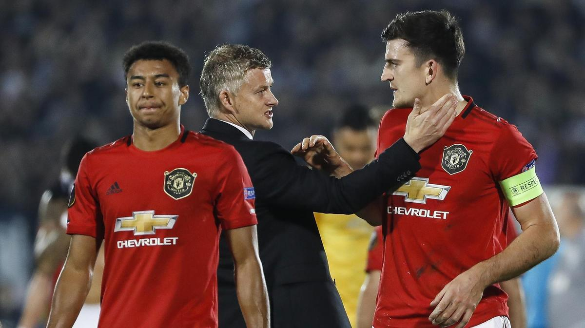 Premier League trở lại: MU kiếm tiền, Liverpool ẵm Cúp