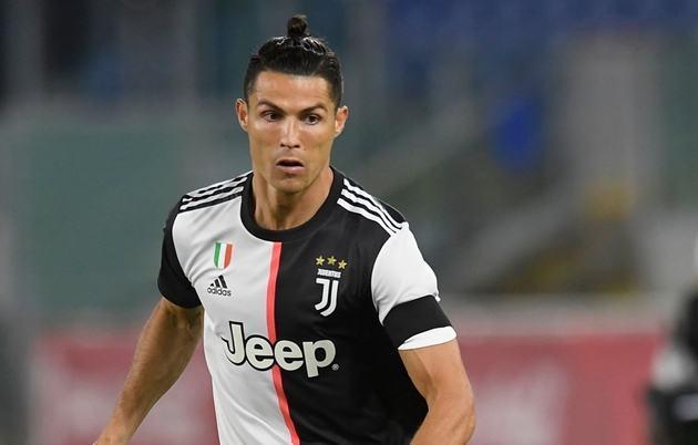 HLV Sarri thừa nhận Ronaldo đang không đạt thể lực tốt nhất