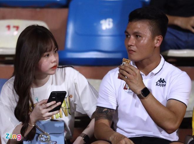 """Quang Hải vắng mặt, Văn Quyết """"vô duyên"""", Hà Nội FC gục ngã trước Sài Gòn"""