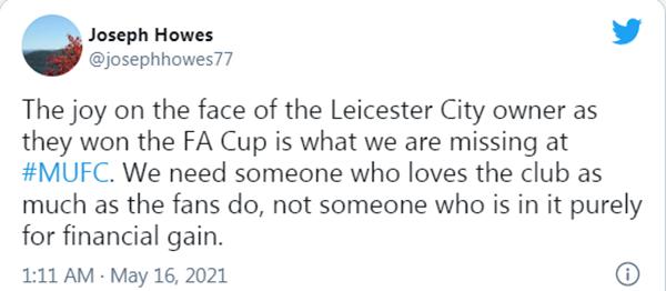 """Mượn Chủ tịch Leicester, CĐV Man Utd """"đá xoáy"""" nhà Glazers"""