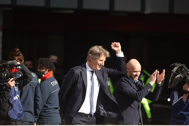 Edwin van der Sar sẽ trở thành ông vua mới của Man United