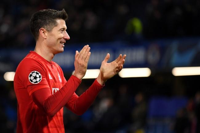 Lewandowski tuyên bố sốc, PSG mừng thầm