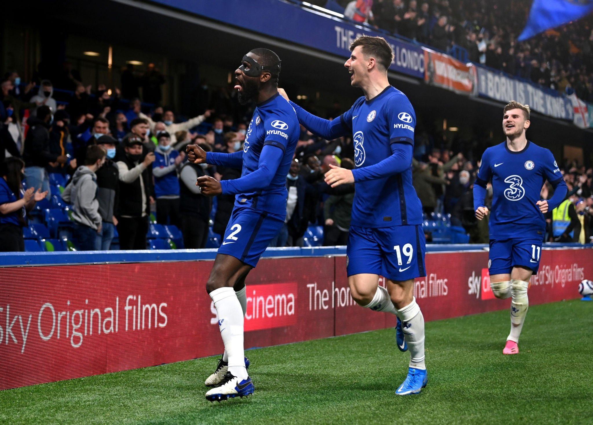 """5 điểm nhấn Chelsea 2-1 Leicester: Thomas Tuchel lo sốt vó; The Blues có """"thợ săn cáo"""""""