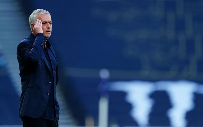 'Mourinho là HLV tệ nhất trong số tệ nhất'