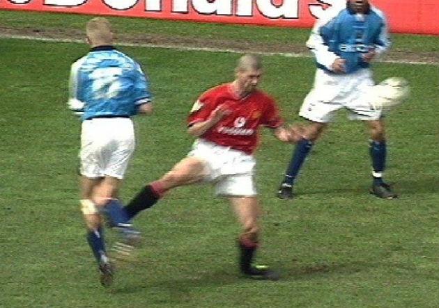 5 khoảnh khắc mang tính biểu tượng của Roy Keane ở Manchester United
