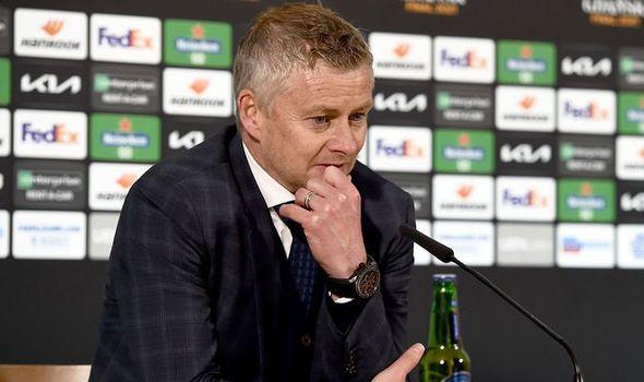 """""""Solskjaer may mắn khi còn tại vị ở Man Utd"""""""
