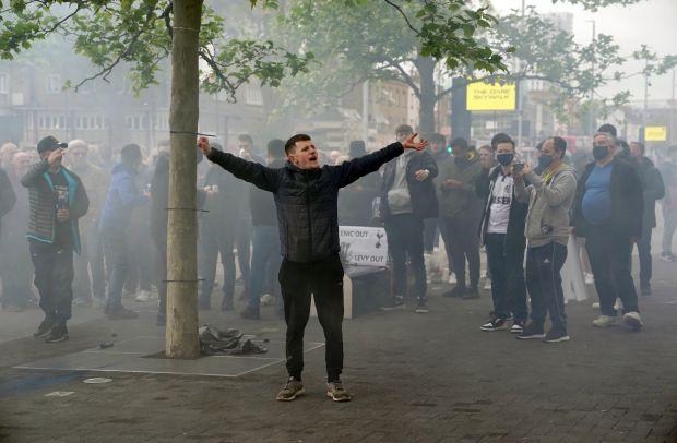 Khung cảnh náo nhiệt xuất hiện trước chung kết FA Cup