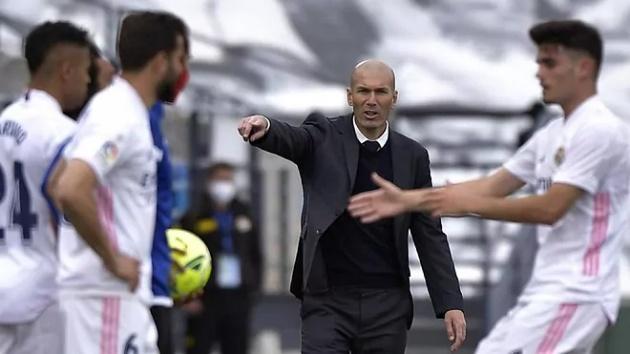 """3 quyết định quan trọng liên quan đến """"đại cục"""" của Real Madrid"""