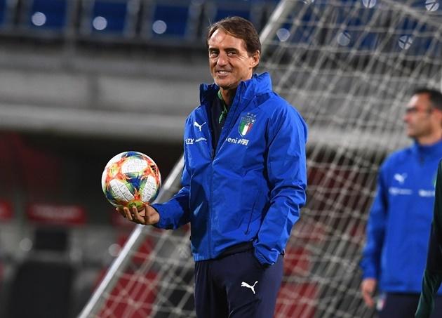 Sắp đến EURO, tuyển Ý 'buff' tinh thần cực mạnh trên băng ghế chỉ đạo