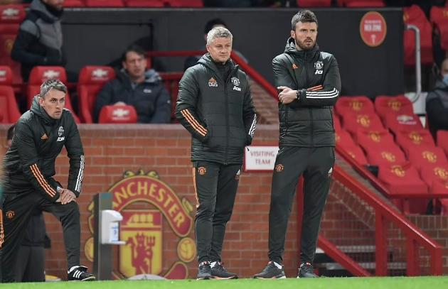 """2 """"chiêu bài"""" giúp Solskjaer thành công tại Man Utd: Tấm gương Sir Alex"""