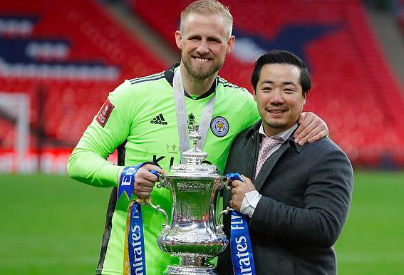 Hạ Chelsea, Chủ tịch và cầu thủ Leicester City đồng loạt bật khóc