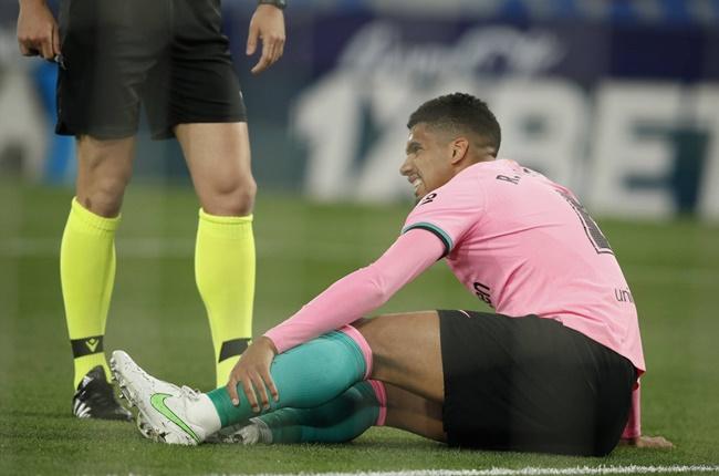 Hòa như thua trước Levante, Barca bị 'tàn phá' dữ dội
