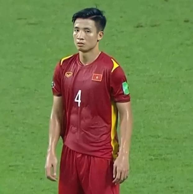 """Việt Nam đại thắng, trợ lý thầy Park chỉ ra 2 cầu thủ """"rảnh rỗi"""" nhất"""