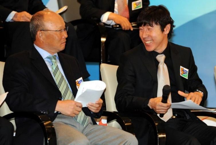 Choáng với tỷ lệ giành chiến thắng của HLV Park Hang Seo trước Shin Tae Yong