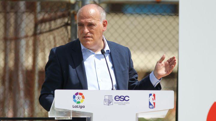 Chủ tịch La Liga tiết lộ con số thua lỗ kinh hoàng của Barcelona