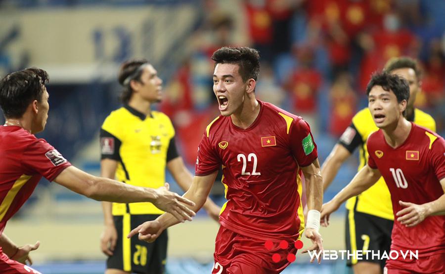 Việt Nam nên bung sức với trận gặp Malaysia hay UAE?