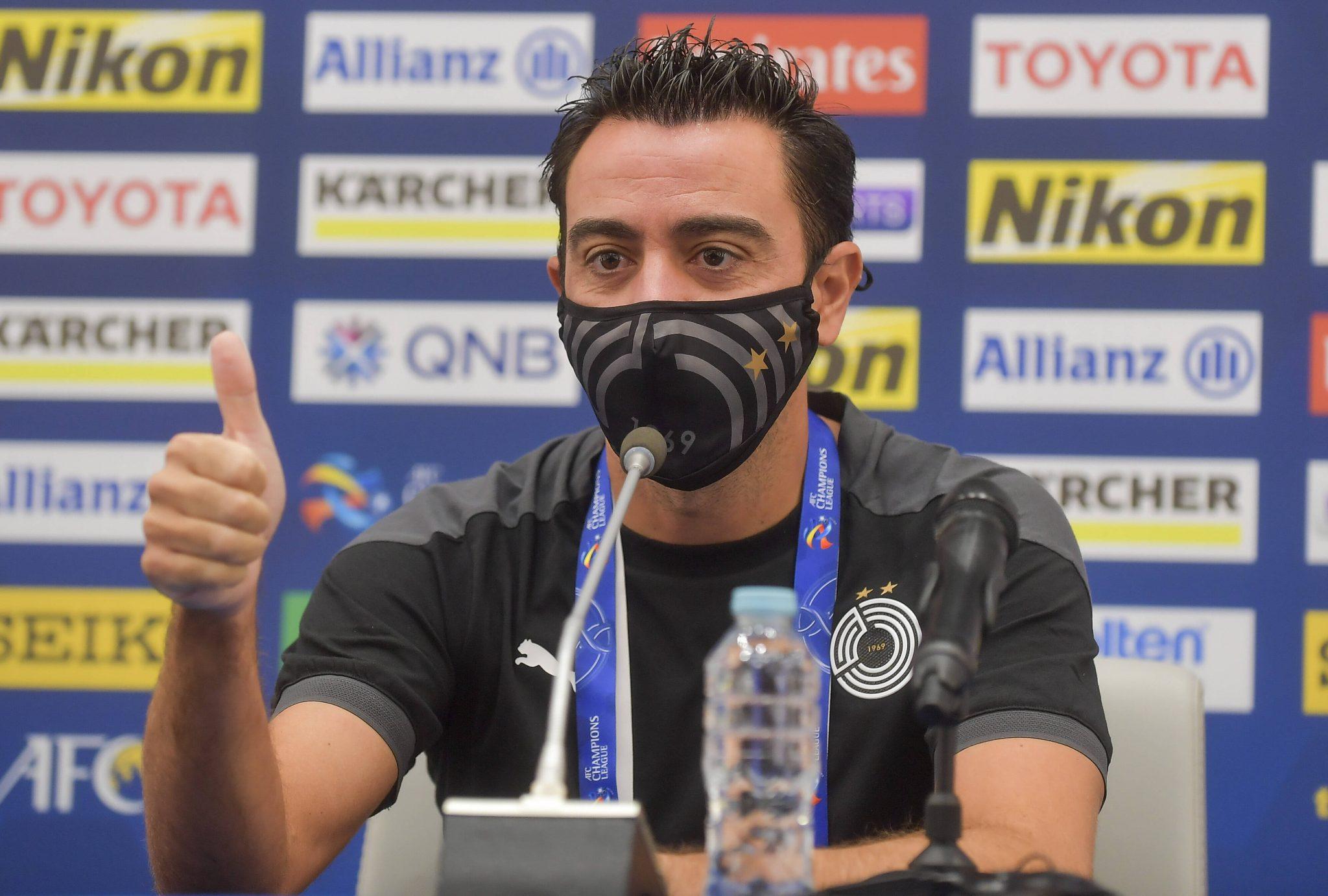 Xavi lên tiếng về ghế HLV Barcelona