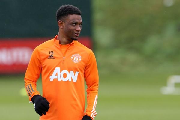 Jadon Sancho gia nhập M.U, cơ hội nào cho Amad Diallo?