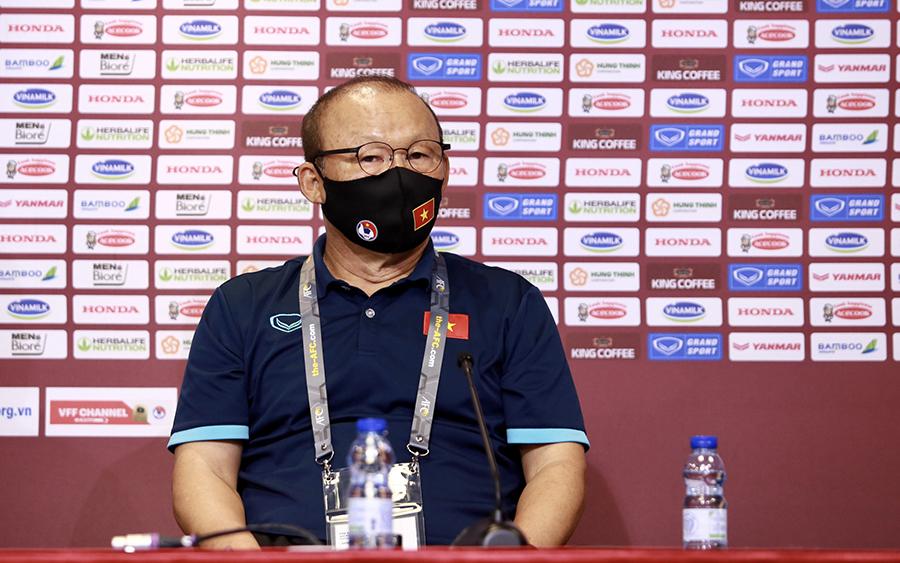 HLV Trung Quốc, Australia nhận xét bất ngờ về bảng đấu có Việt Nam