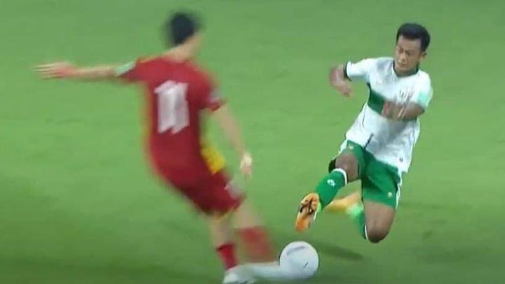 HLV Shin Tae Yong phủ nhận yêu cầu học trò đá xấu tuyển Việt Nam
