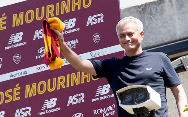 Jose Mourinho: 'Tôi đã tiến bộ so với khi ăn ba cùng Inter'