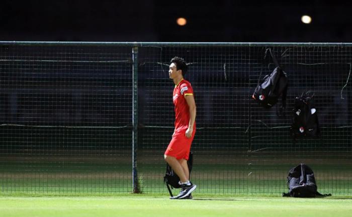 Không ngủ quên trên chiến thắng, tuyển Việt Nam lao vào tập luyện