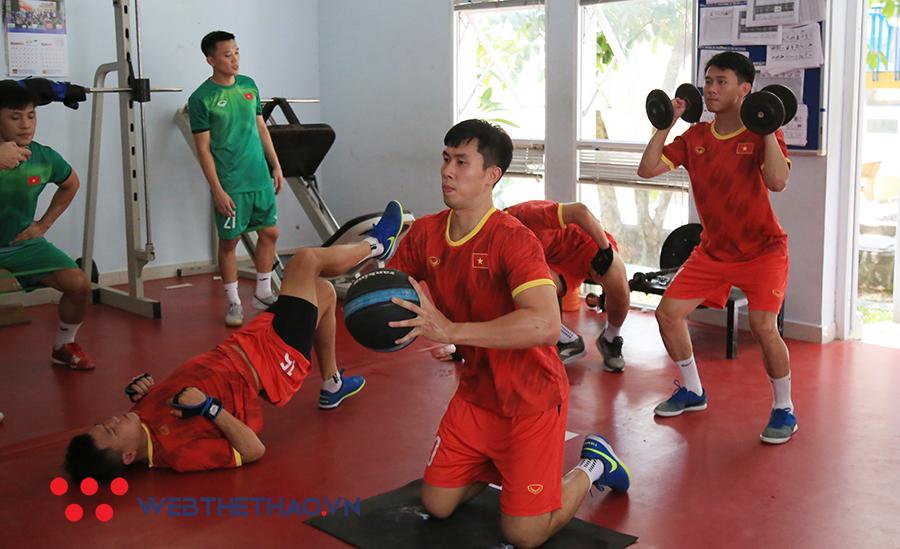 Hướng đến World Cup 2021: Tuyển futsal Việt Nam rối bời vì COVID-19