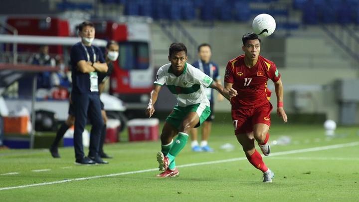 Kinh ngạc với 54 đường chuyền của tuyển Việt Nam trước khi Vũ Văn Thanh ghi bàn