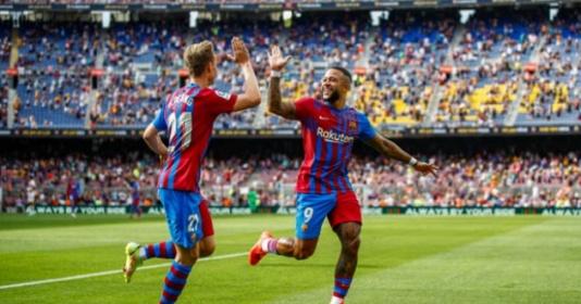 Depay xử lý đẳng cấp mang về chiến thắng cho Barca