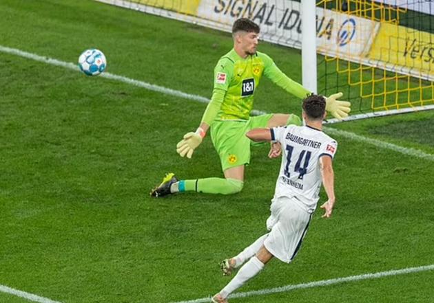 Haaland hóa người hùng, Dortmund giành 3 điểm nghẹt thở
