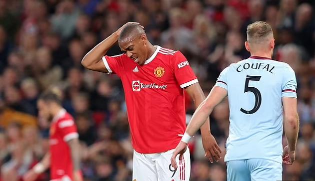 Vấn đề của Man Utd: Martial không sai, Ole mới là người sai